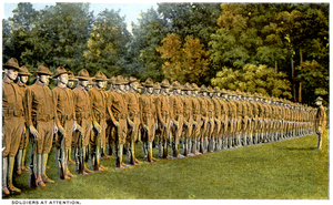 Soldiers_at_attention